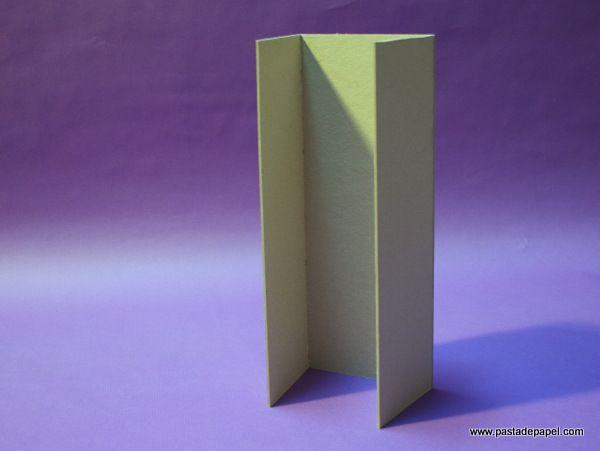 ¿Cómo se hace una caja de cartón gris? Paso 5.