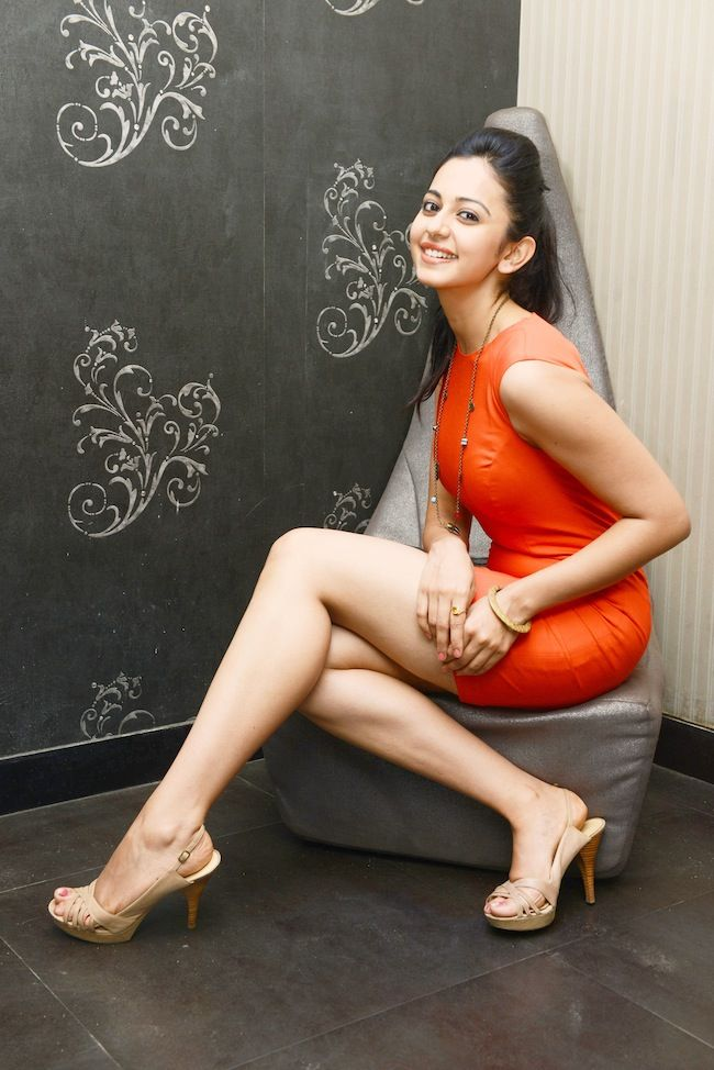 Yaariyan Hottie Rakul's Sexy Poses | Regional | Slide 19 | www.indiatimes.com | Page 19