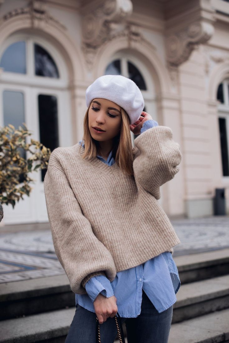 Parisian Chic Outfit, Baskenmütze, Outfit mit Baskenmütze, Frühlingsoutfit, Frühlingslook, Mohair Pullover, Streifenbluse, Outfit Fashionblog  http://www.stylemocca.com