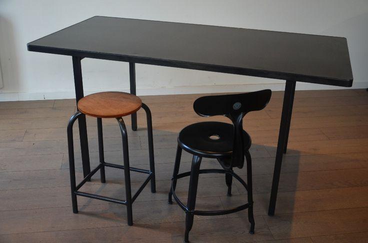 82 best tables bureaux consoles et gueridons images on for Table a manger 12 personnes