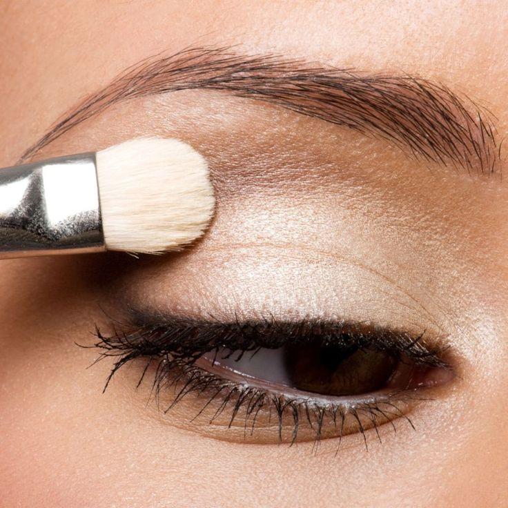 Schlupflider schminken: So kommen kleine Augen perfekt zur Geltung – Anna ???