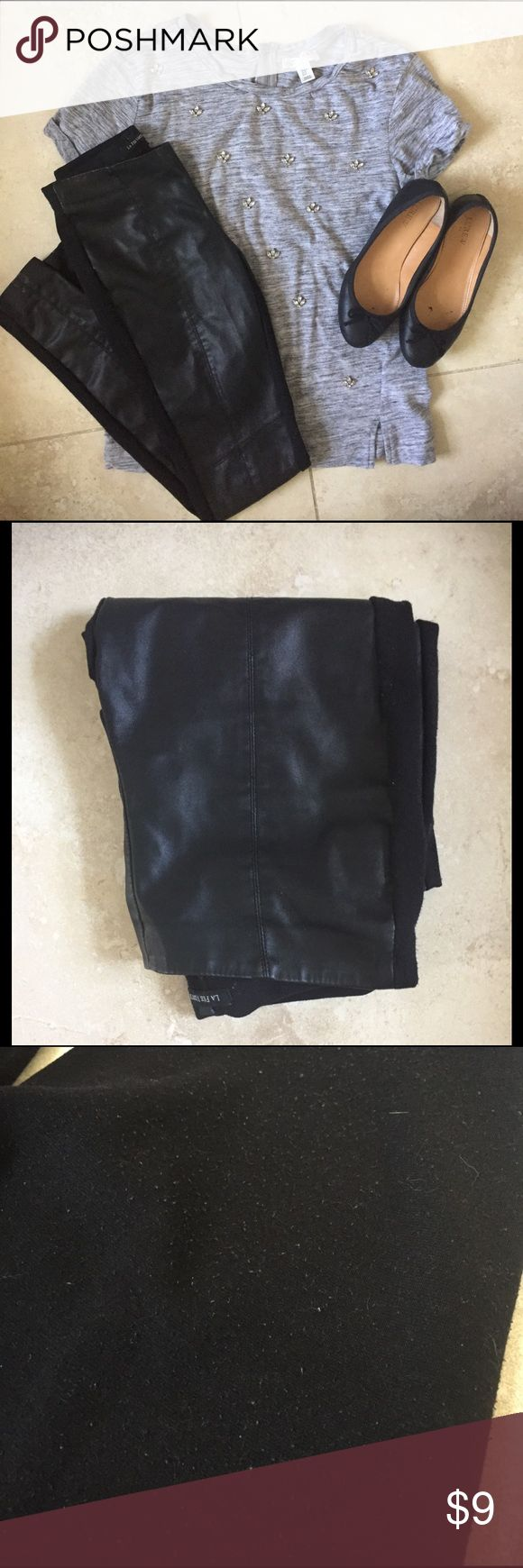 💝 Leather Front Skinny Pants Great pants to wear for work or going out! Leather front with soft, thick legging material on back. Leather front is in great condition and the back has some piling as pictured which can be removed with a sweater piler. Bottom of one leg seam has come undone but is an easy fix and stays in place if you tuck it in. Will fit 00. I accept offers ❤️ 20% off bundles! Pants Skinny
