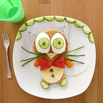 Play With Food & Feed Their Imagination