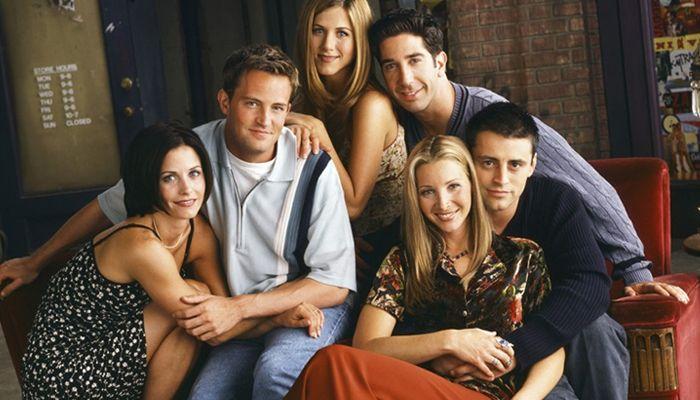 Curte o seriado? Então se liga nessas curiosidades!  continue lendo em 22 coisas que você provavelmente não sabia sobre Friends