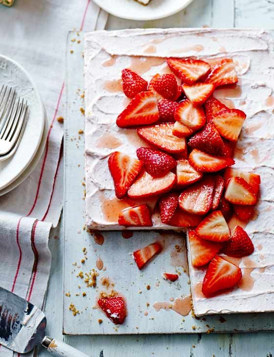 Strawberries and cream no-bake cheesecake. Sweet, moreish and gluten free.
