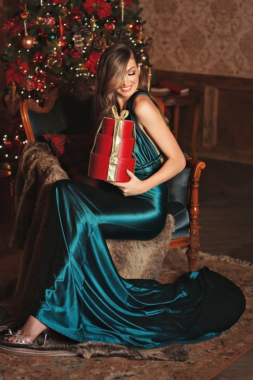 новогодняя фотосессия, happy new year, фотограф Anna Rost, женский портрет, студия, новогодние огоньки, фотосессия в студии, фотосессия для девушка, новый год