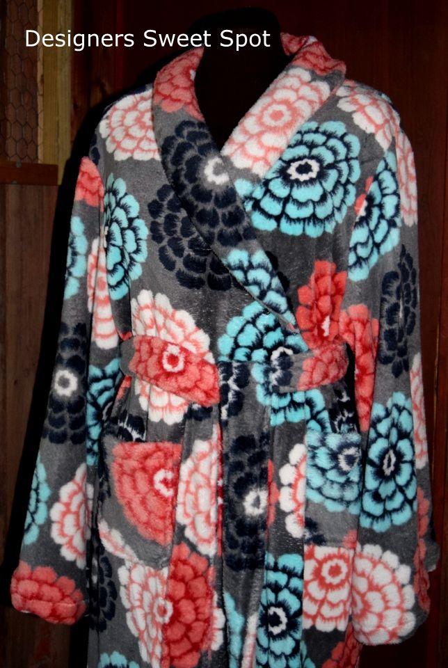 How to sew a fleece robe. designerssweetspot.com