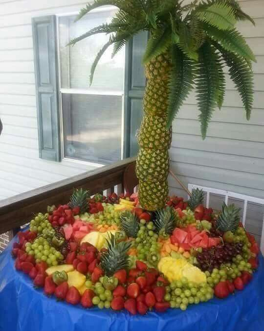 Pineapple Palm Tree Fruit Display... I Absolutely Adore This! Too Lavish For