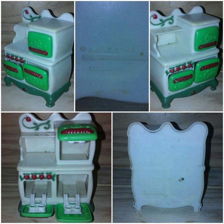 Mueble Frutillitas Reloj Cocina Horno años 80's AAC Muñecas Strawberry Shortcake 1983 American Greetings Corp  Retro vintage Mide 12 x 9 cm aprox.