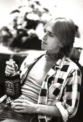 tom petty picture taken by lynn goldsmith backstage at no nukes concert in new york city. Black Bedroom Furniture Sets. Home Design Ideas