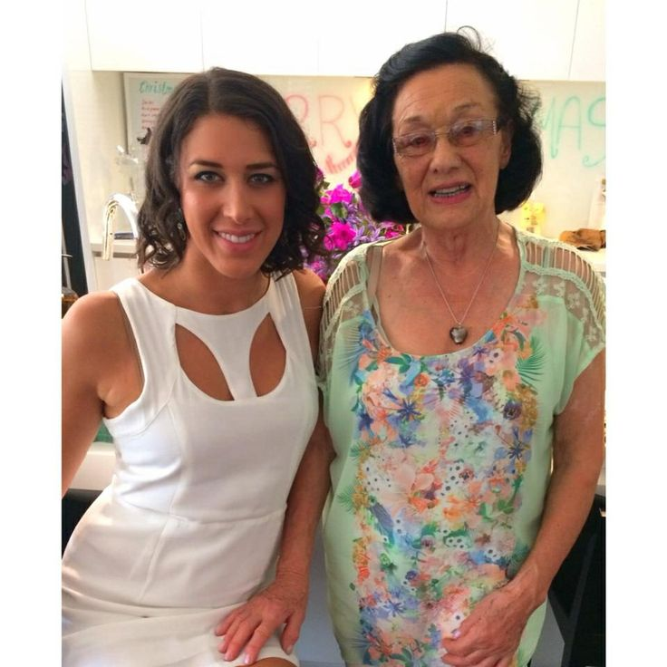 How cute is my 81 year old Grandma. How good does she look for her age. She became vegan 4 years ago. It's never too late. Watch my interview with her on my youtube channel greenwarriorsYT :)