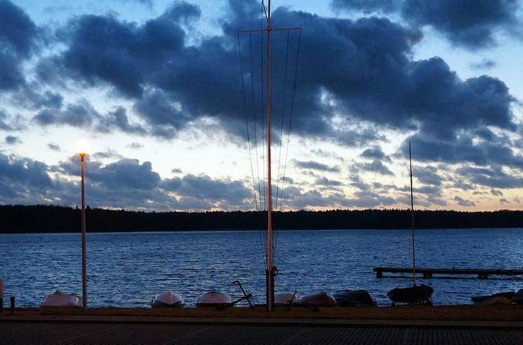 Piękne niebo nad wieczornym Szczecinkiem. Nawet chmury były niebieskie :) #Szczecinek