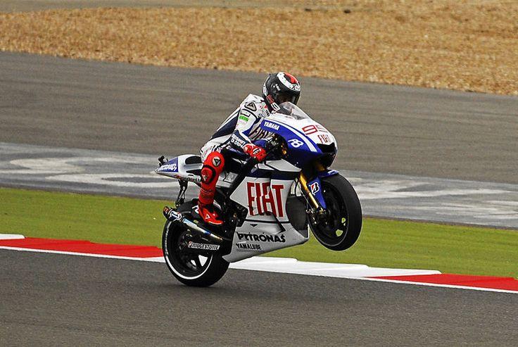 Apuestas Moto GP: Cheste coronará a otros dos españoles, si quieres apostar hacerlo con Bet365 es tu mejor opción