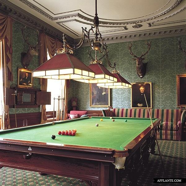 Brocket Hall in England // Authentic Interior | Afflante.com