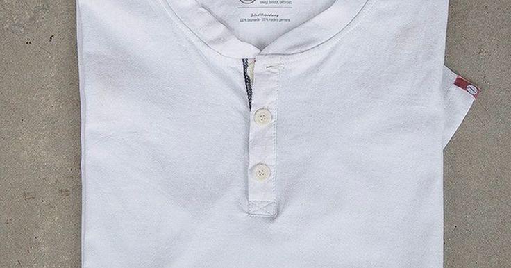 Kurzzug T-Shirt mit Knopf - Stadtmann - Kurzzug - Taschen aus Münchner U-Bahn Sitzbezügen