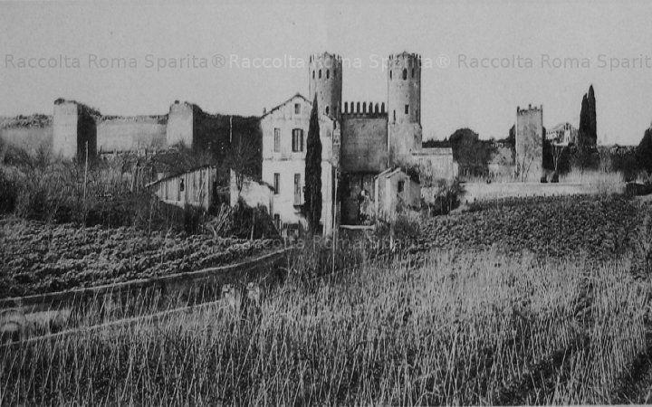 Porta San Sebastiano, via Appia Antica. Tratto finale della valle. Un'accesso sterrato è da Via Bitinia prima a destra dopo Piazza Galeria Anno: 1890