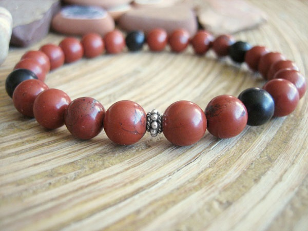 how to wear red sandalwood mala