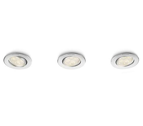 Deze set van drie Philips Smartspot Albireo LED-inbouwspots in metaal past bij elke stijl en elk interieur. De spots bieden nauwkeurig gericht warm wit licht - ideaal voor accentverlichting. De geavanceerde LED's zijn erg helder, maar verbruiken weinig energie.