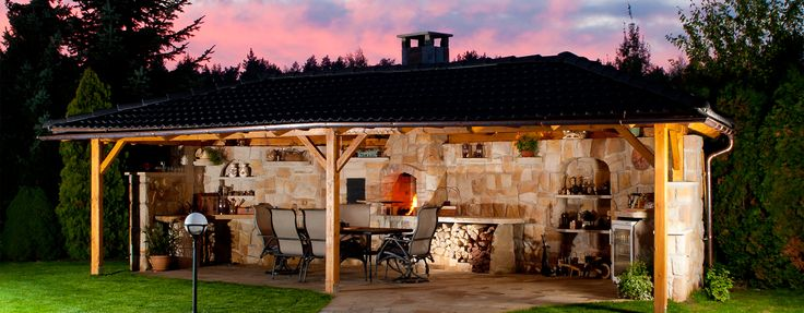 Outdoor kitchen with a roof