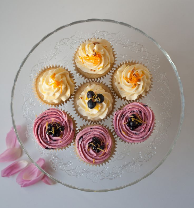 New recipes for a personalised wedding cake tasting. Follow on www.facebook.com/cakemeoslo. Email for enquiries and/or orders.