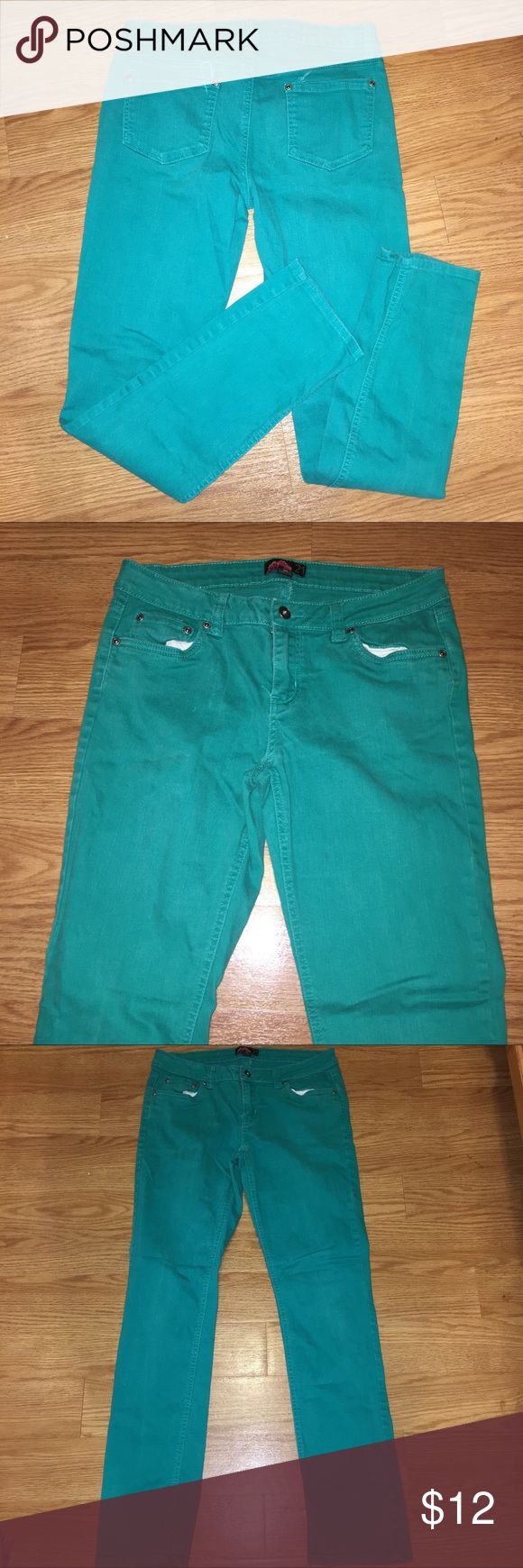 30% Off Bundles Aqua Jeans Cute, bright jeans with a good deal of stretch. Great condition. No marks or stains. Add three more items to your bundle for 30% off. Forever 21 Jeans Skinny
