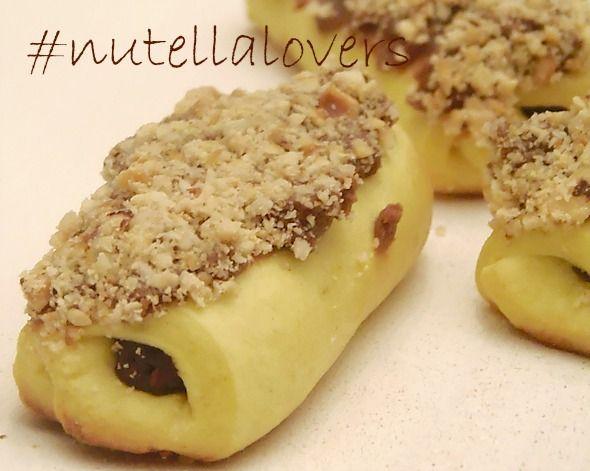 Biscotti ripieni alla nutella ,dolci facili
