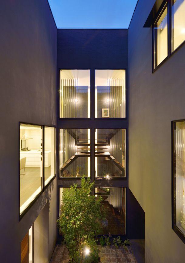 中庭のある2世帯住宅・間取り(神奈川県横浜市)  高級住宅・豪邸   注文住宅なら建築設計事務所 フリーダムアーキテクツデザイン