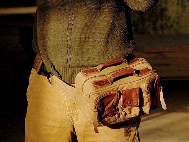 #07 'REPORTER III' ™ Messenger Bag, camera waist bag. Canvas & genuine leather. Khaki