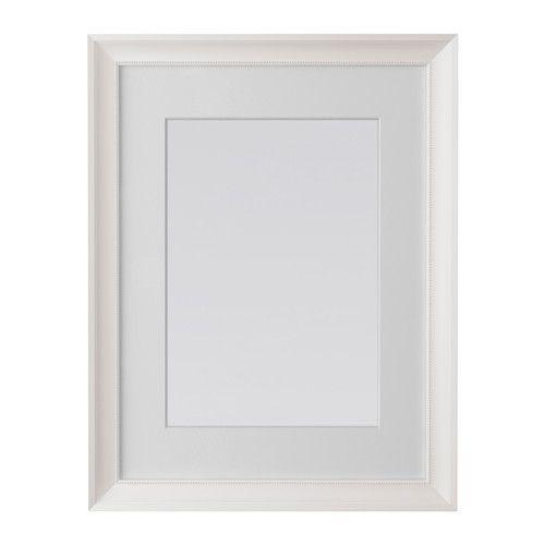 IKEA - SÖNDRUM, Cadre, 30x40 cm, , Peut être accroché à l'horizontale ou à la verticale selon l'espace disponible.Passe-partout au Ph neutre; ne risque pas de décolorer l'image.Convient pour les photos/images A4 si utilisé avec le passe-partout.Peut également être utilisé sans passe-partout pour accueillir une plus grande photo.Existe en plusieurs dimensions.Protection en plastique résistant pour une plus grande sécurité.