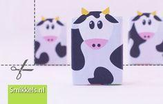 Traktatie rozijnen koetjes met gratis print voorbeeld | Healthy raisins box treat with free printable cow @ Smikkels.nl traktatie, trakteren, tips, traktatie idee, koe, rozijnen doosjes, cow, download, gratis, free printable, treat, raisins, kids party