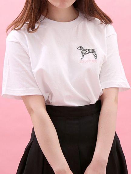 WC(ダブルシー)のWC/DOG刺繍Tシャツ。渋谷109の人気ブランド/ショップの最新レディースファッションや新作、人気、おすすめアイテムをお届け。お得なイベント情報も