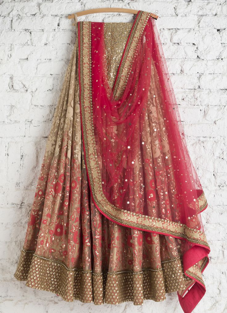 Lehengas by SwatiManish : Offwhite and coral pink threadwork lehenga with coral dupatta