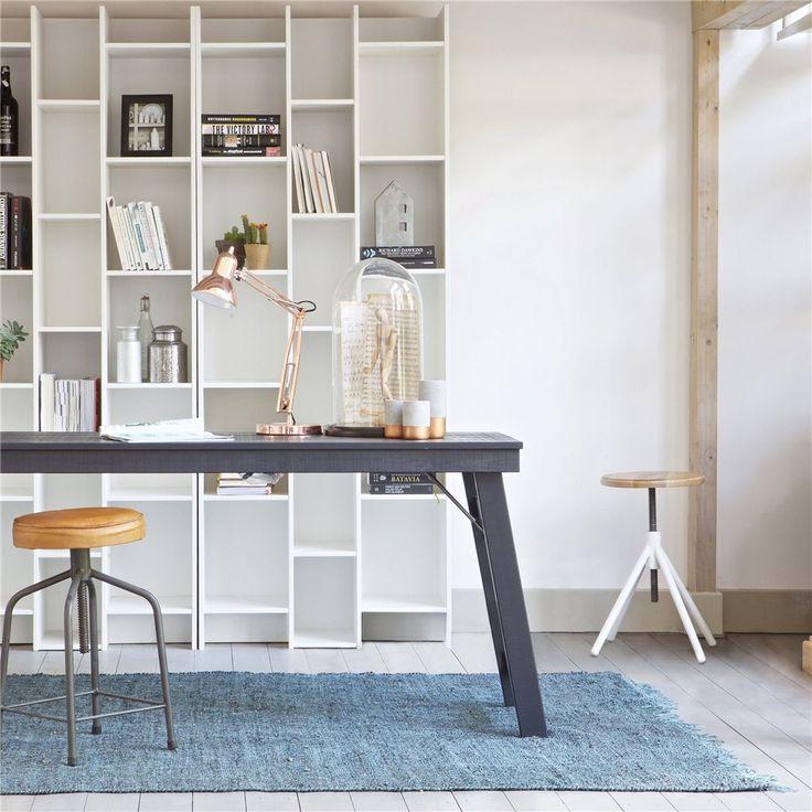 Op zoek naar een stoer bureau, waaraan je fijn kan werken maar ook iets toevoegt aan je interieur? Kijk eens naar deze Woood Honk. Strak en stoer met een industriële touch. Dat maakt (thuis)werken een stuk leuker!