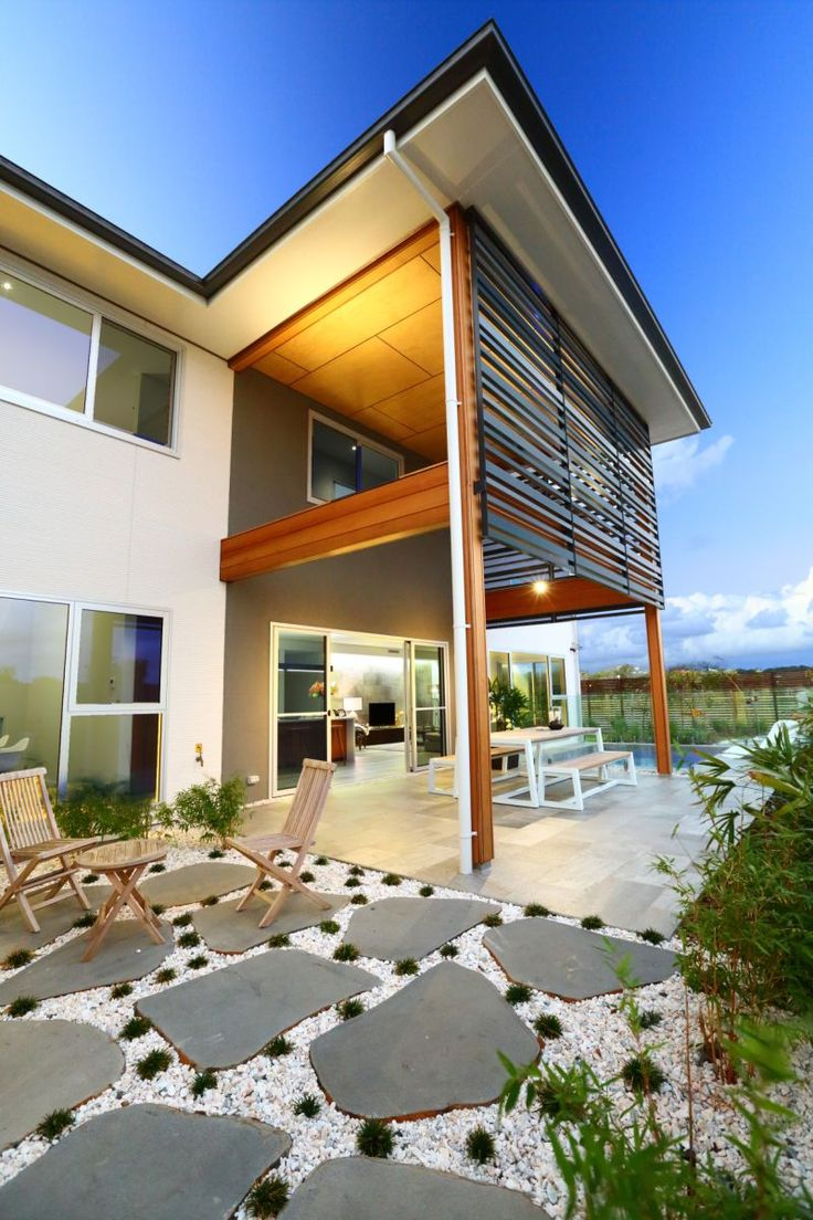 We love the landscaping surrounding this SHAWOOD design | Sekisui House