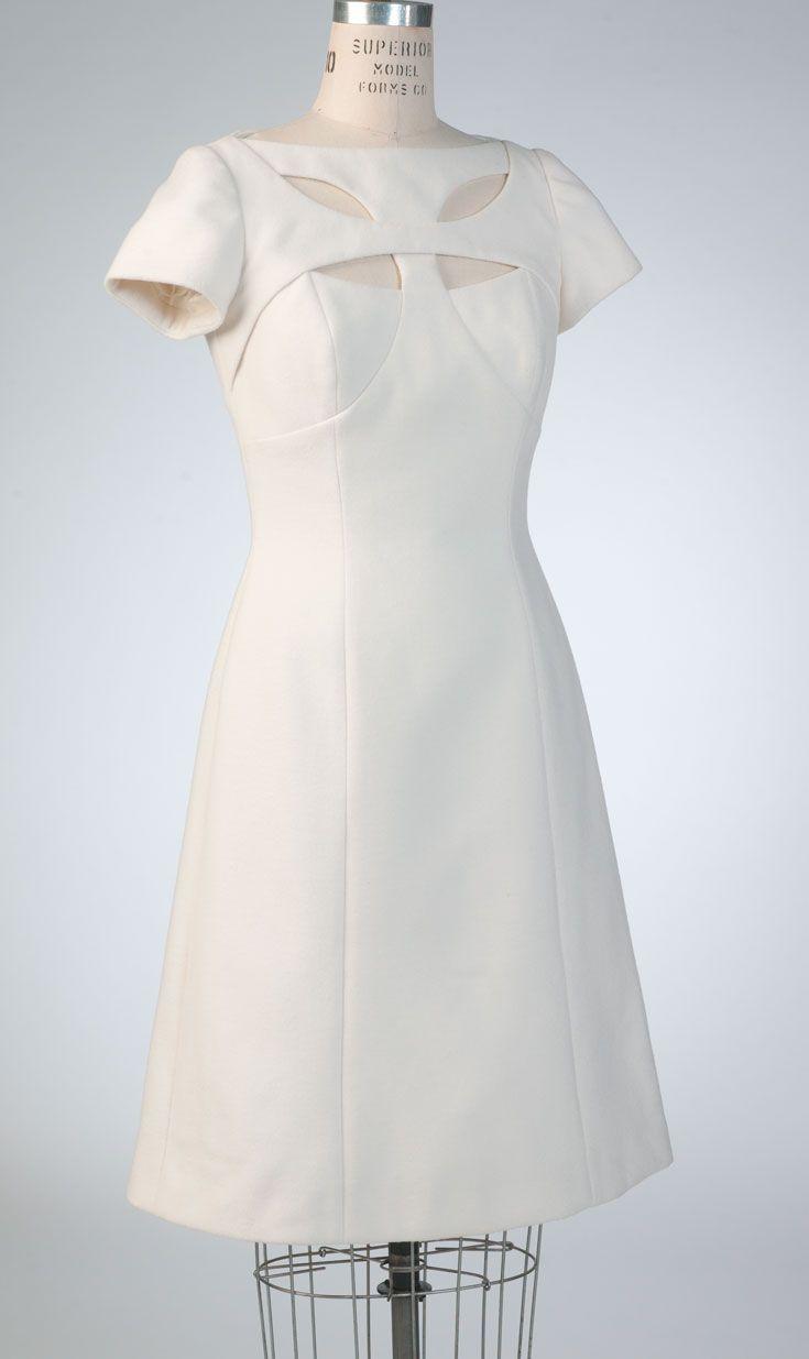 V1423 Bellville Sassoon dress for Vogue Patterns. Front view. #voguepatterns