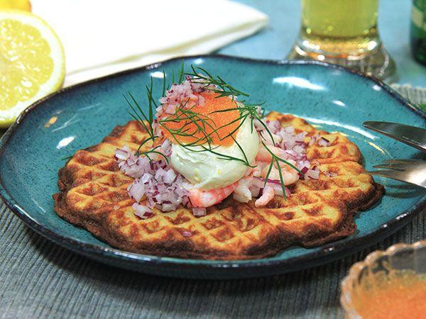 Potatisvåfflor med löjrom | Recept.nu