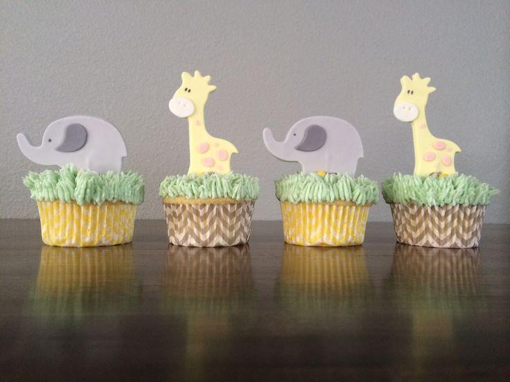 Elephant and giraffe cupcakes