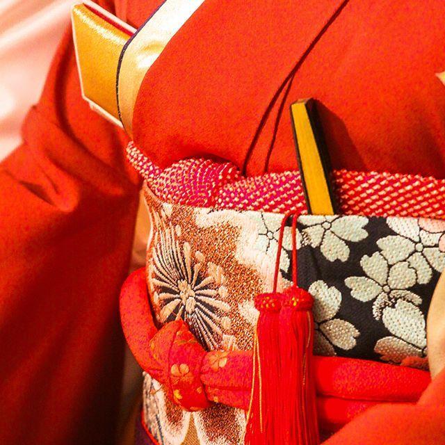 . #PhotographerKenichiroWatanabe  #朱  #着物  #きもの  #Kimono  #Japan  #帯  #はこせこ  #末広  #花嫁衣装  #JapaneseStyle  #BrideCostume  #TraditionalStyle