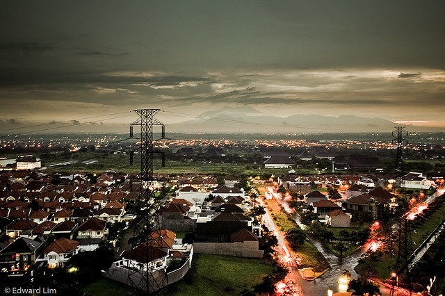 Surabaya at night    Taken from an apartment in Pakuwon City in Surabaya.