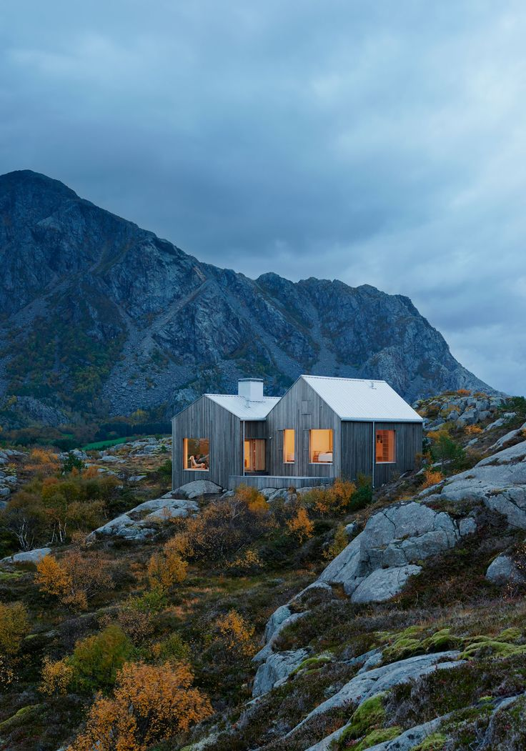 Delightful Between The Mountains And The Norwegian Sea: Vega Cottage