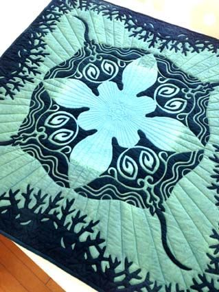 gorgeous!  raies mantas  applique quilt