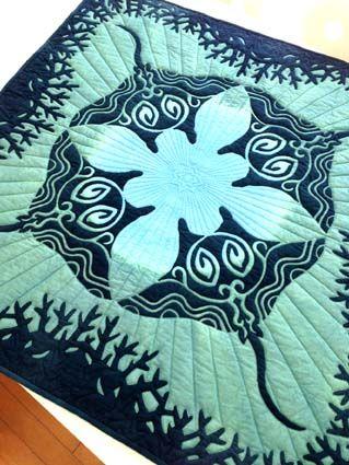 gorgeous!  raies mantas  applique quilt