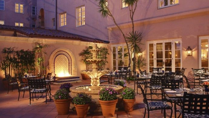 La Valencia Hotel: Opened in 1926, the 112-room La Valencia bursts with elegance at every turn.