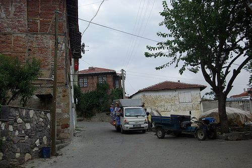 old cars and Üskübü village