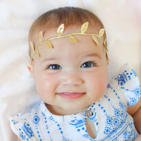 Adorable gold leaf headband for baby!