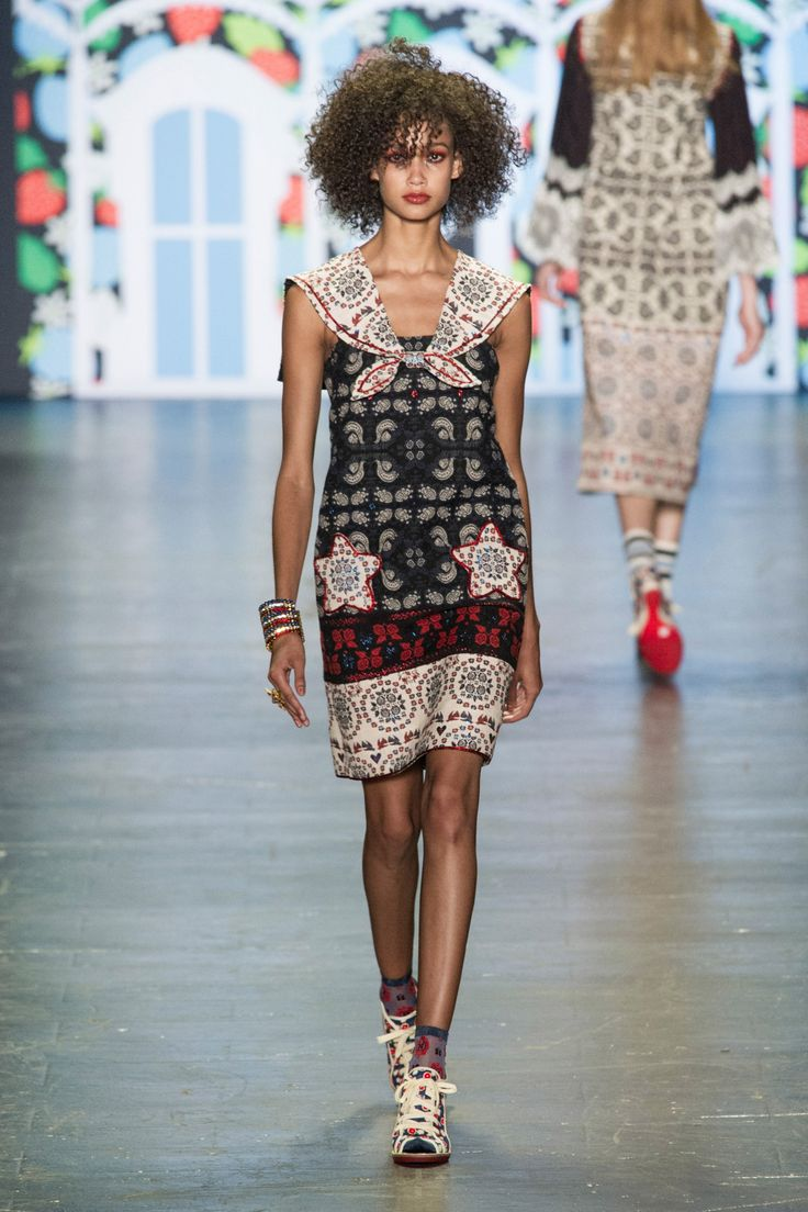 Anna Sui New York Spring/Summer 2017 Ready-To-Wear Details | #NYFW
