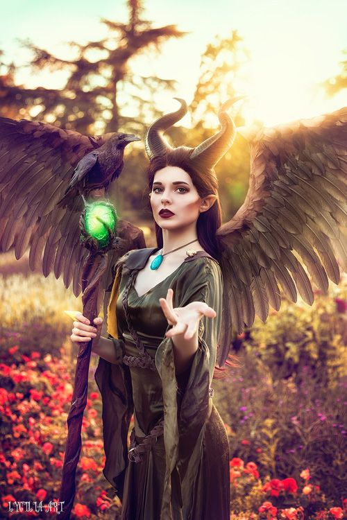 Maleficent Cosplay http://geekxgirls.com/article.php?ID=9507