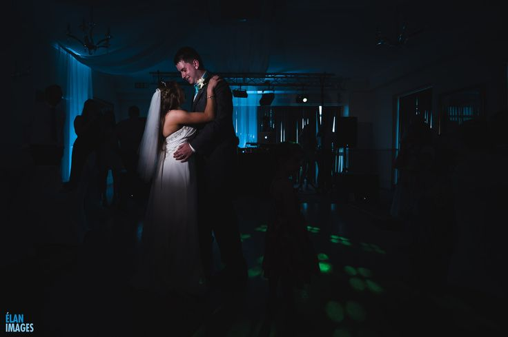 Wedding Photos Sneak Peek – Jess & Oli's wedding at the Exeter Court Hotel, Kennford