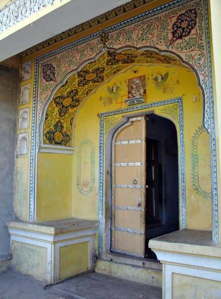 Rang7 myIndia A beautiful door way into a haveli in Samode, Rajasthan