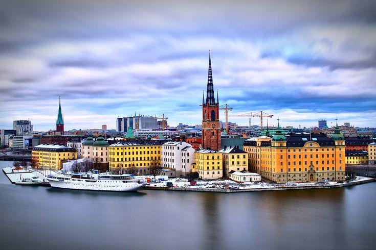 """Söker du bostadsrätt i Stockholm, får du en samlad överblick på denna sida: https://www.bostadsdeal.se/stockholm-bostadsraett  Klicka på knappen """"Läs mer"""" vid den enskilda annonsen för att få ytterligare information. Söker du andra typer av bostäder i Stockholm än bostadsrätter, så använd sökfunktionen i vänster sida.  #Bostadsrätter #Bostadsrätt #Bostad #Stockholm"""
